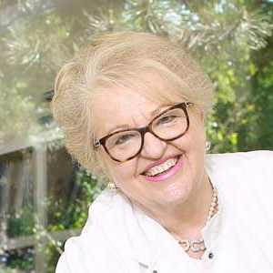 Speaker - Dr. Elisabeth Dostal